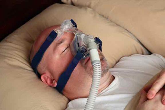 Apneia-obstrutiva-do-sono-pode-levar-a-hipertensão-576x384
